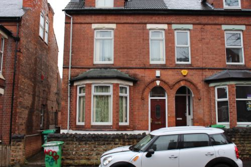 28 DERBY GROVE, Lenton